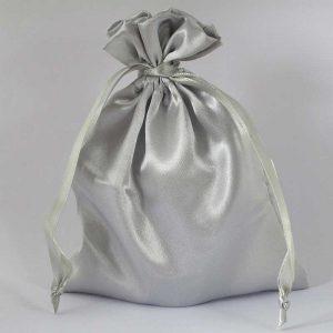 Satijnen zakjes zilver groot